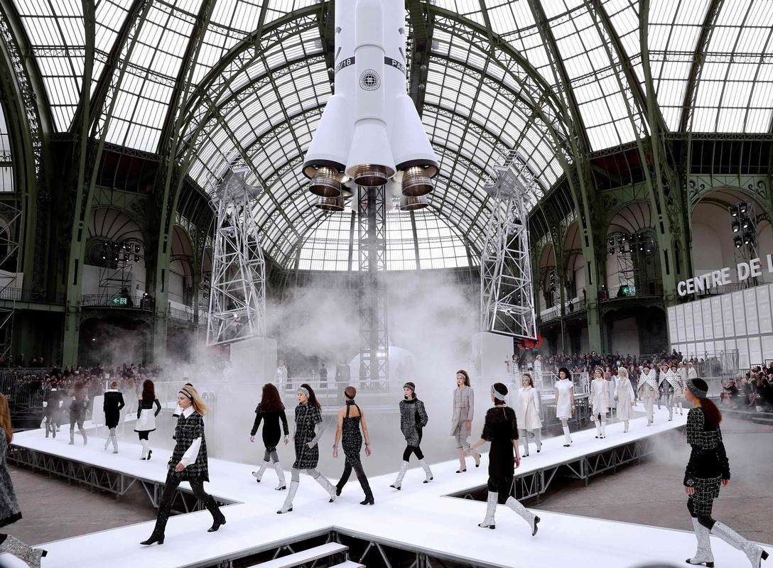 Chanel fashion show grand palais 87